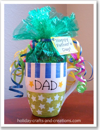 Homemade Gifts For Dad: Painted Coffee Mug